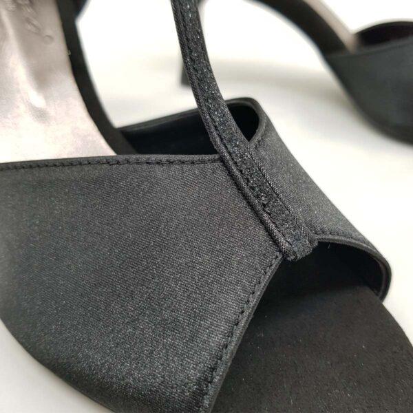 scarpe da ballo in raso nero